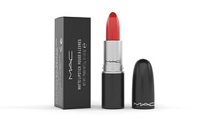 Mac Lipstick model